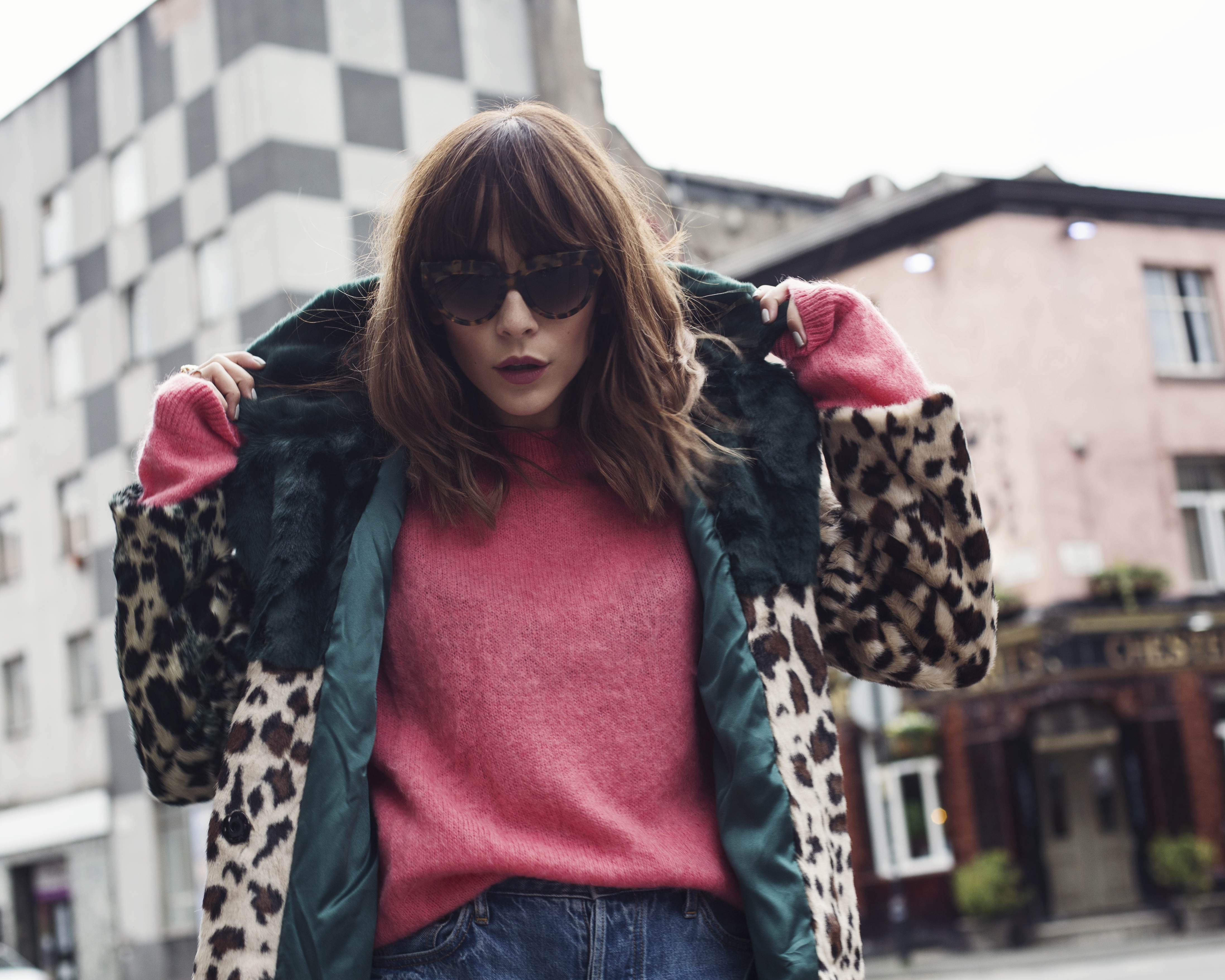 HOW TO WEAR PINK AND GREEN COLOUR CLASH