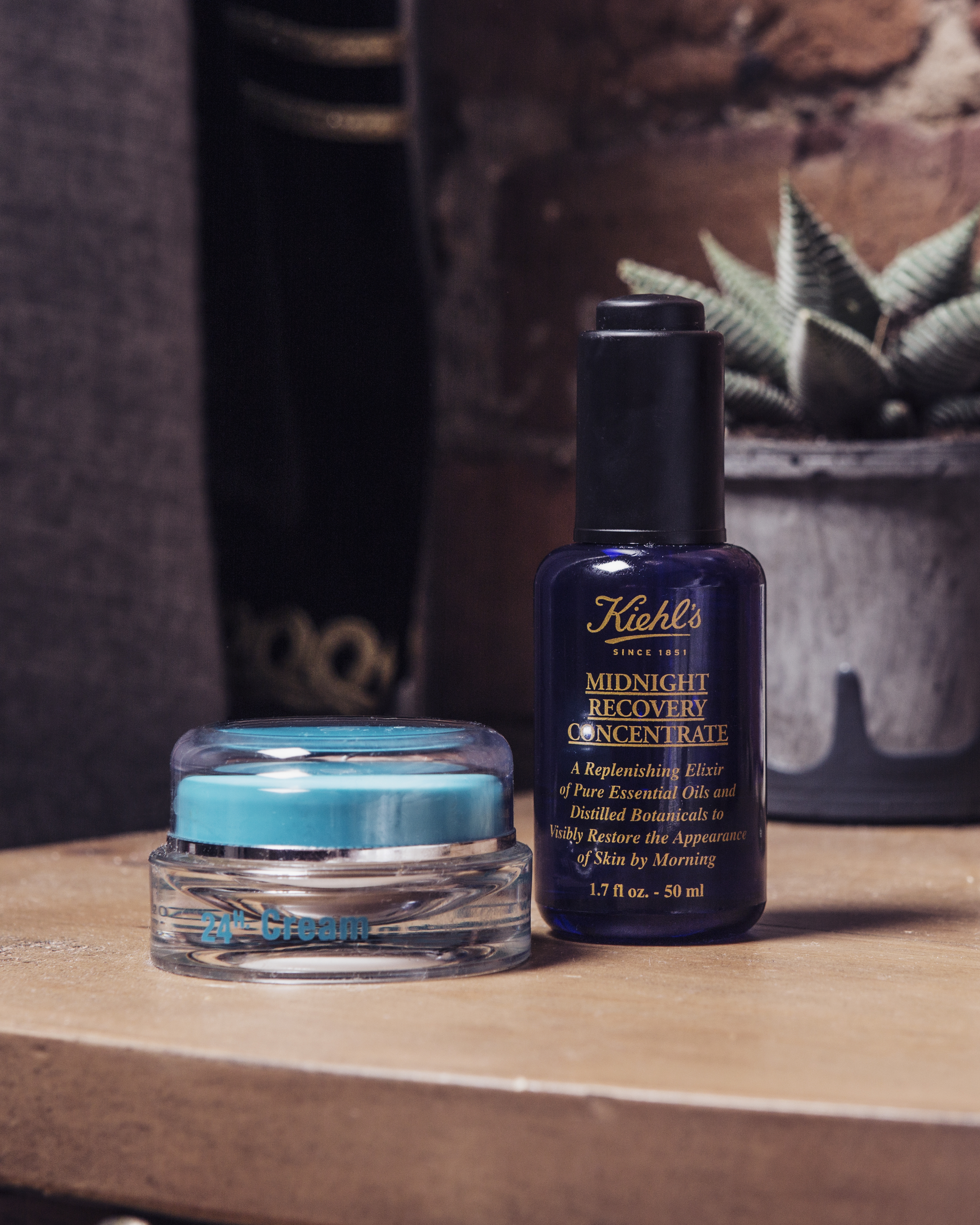 KIEHLS MIDNIGHT RECOVERY CONCENTRATE & QMS 24HOUR CREAM