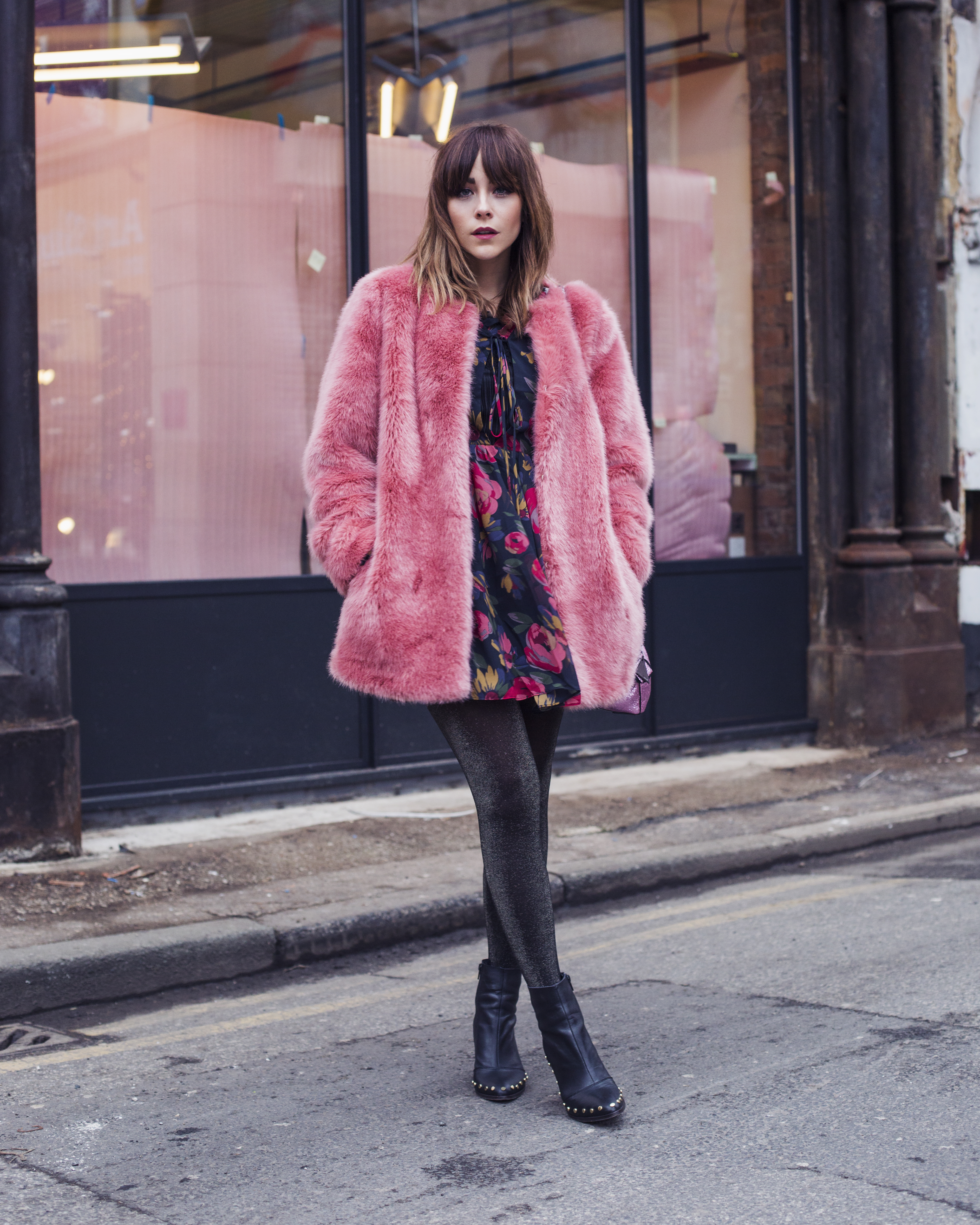 ASOS LEOPARD PRINT COAT WITH PINK HOLIDAY NUDE CONVERSE