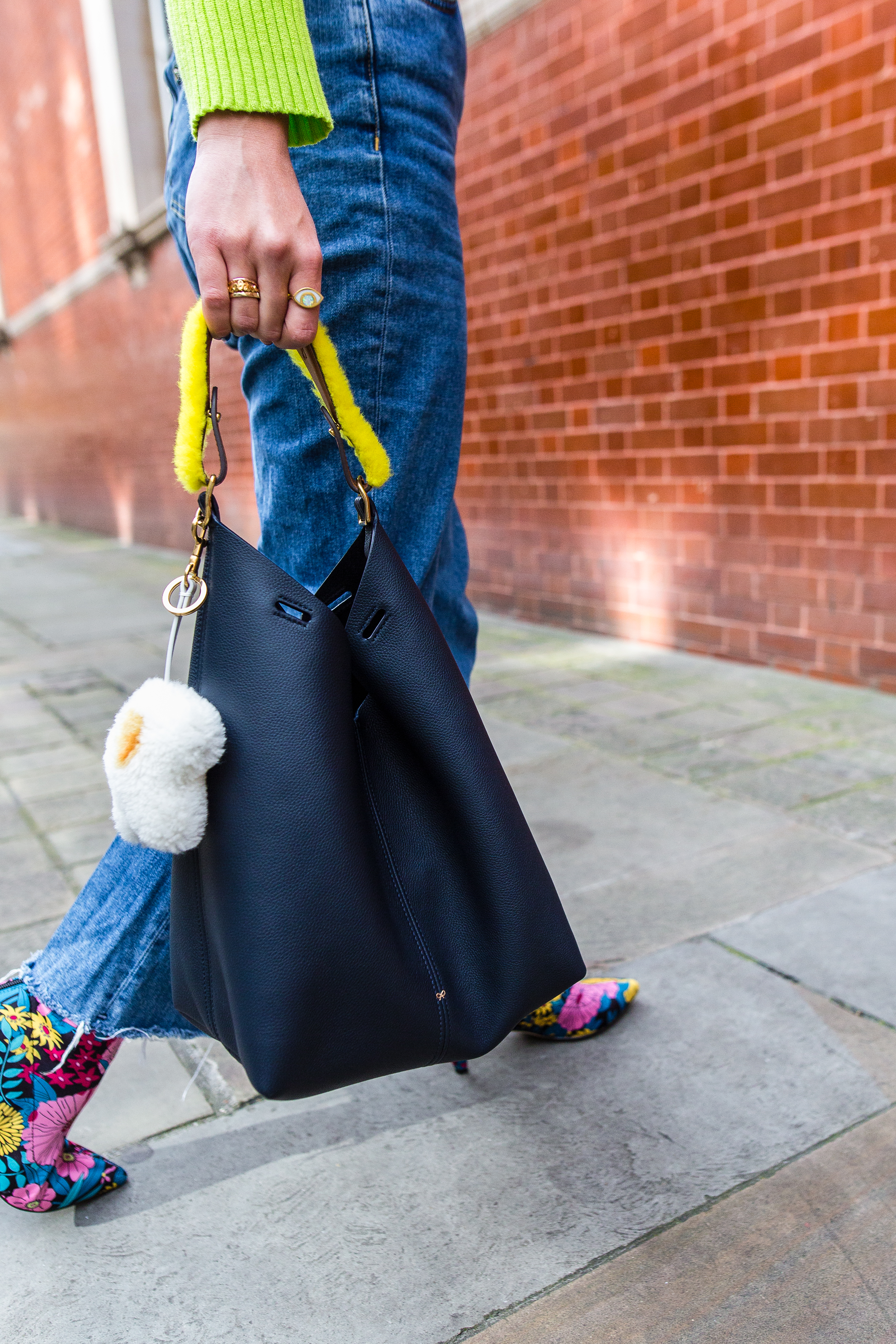 MEGAN ELLABY HOW TO STYLE ANYA HINDMARCH