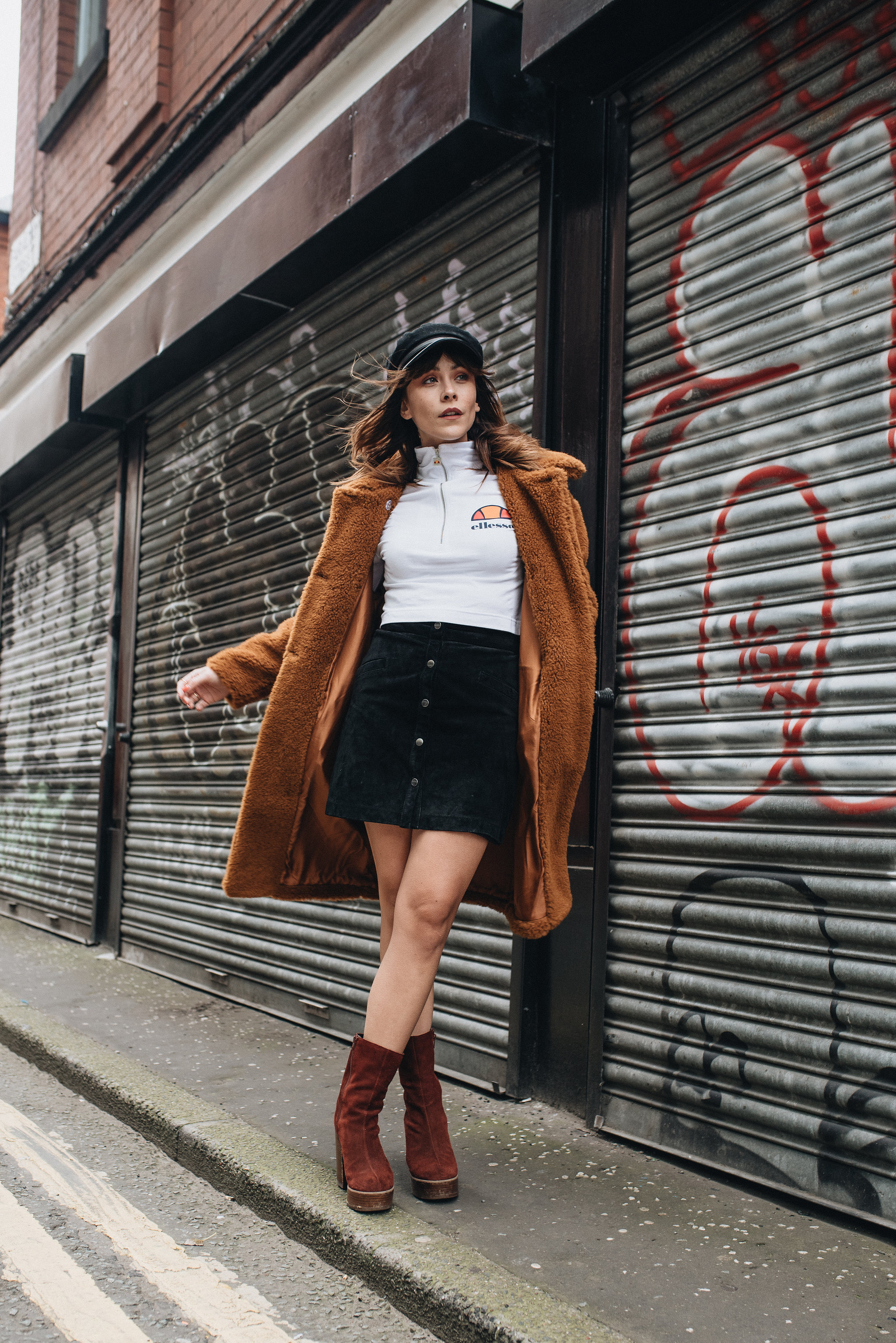 MEGAN ELLABY WEARS SEVENTIES INSPIRED OUTFIT