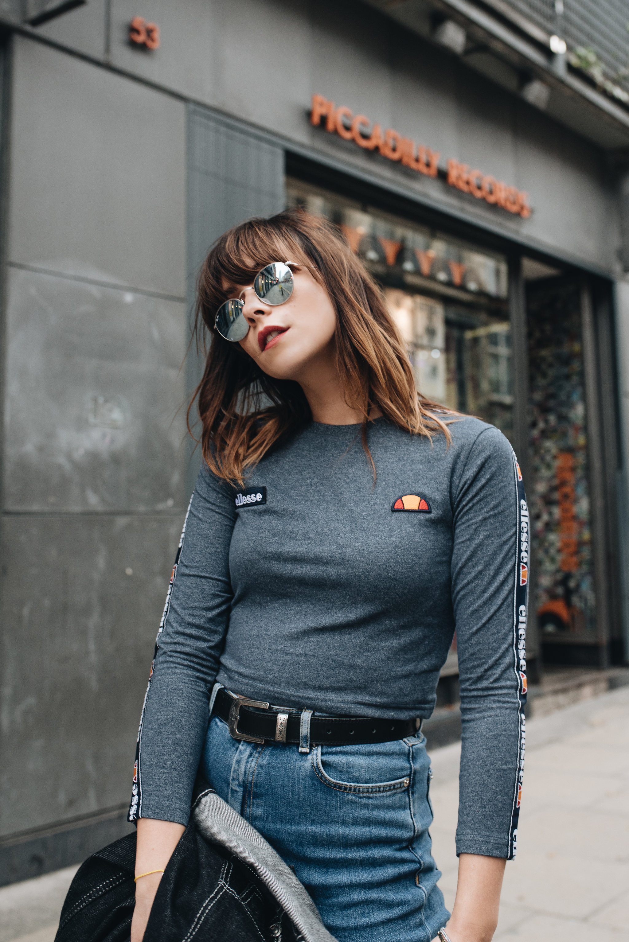 MEGAN ELLABY HOW TO STYLE RAY BAN ROUND METAL SUNGLASSES