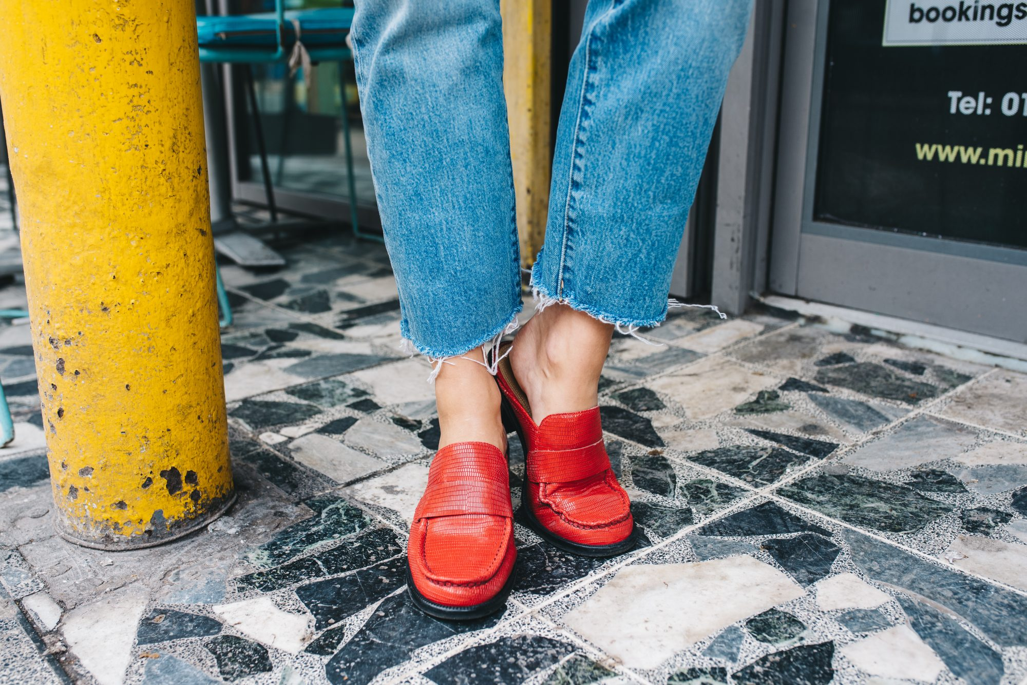 HOW TO STYLE RED SHOES