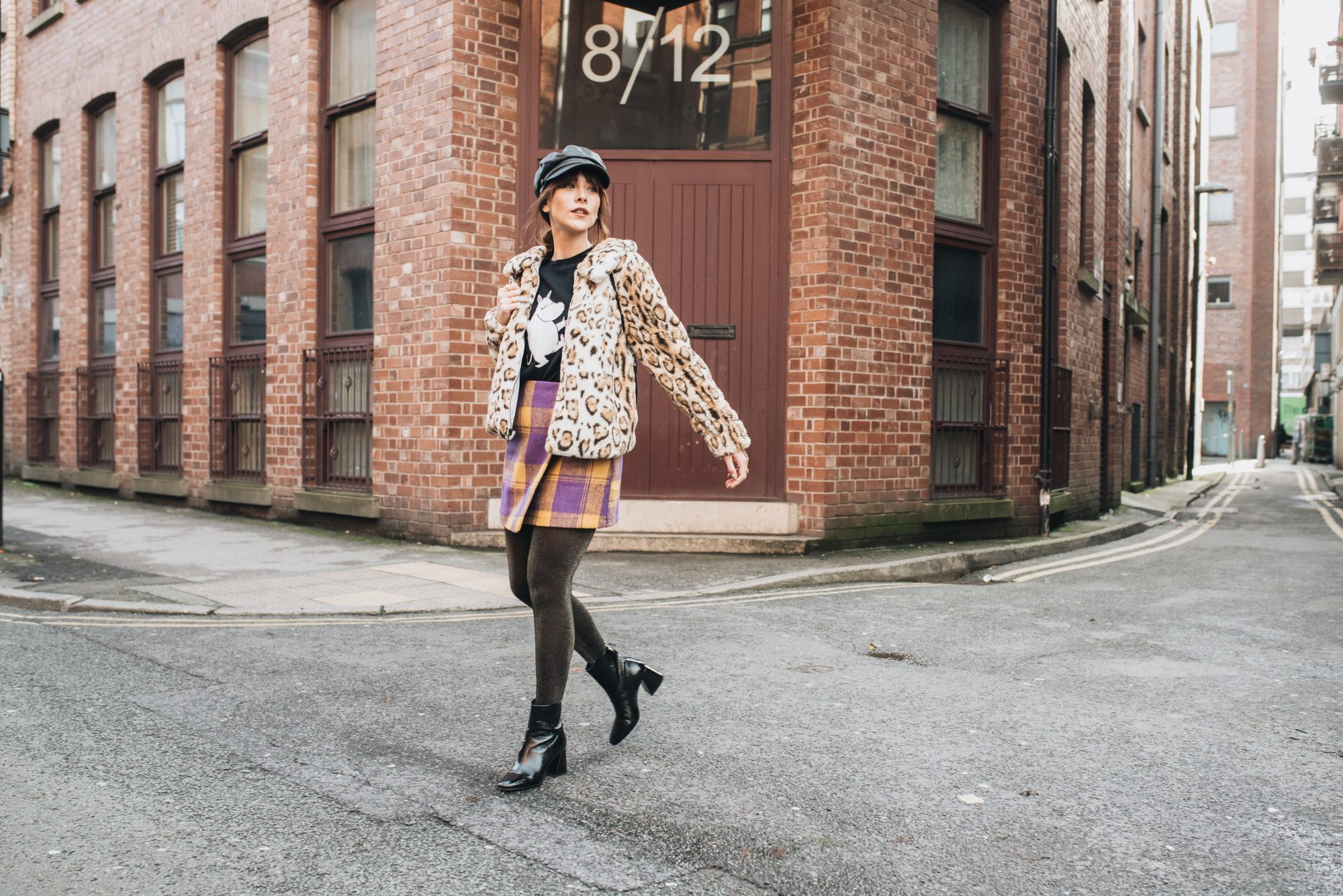 MEGAN ELLABY HOW TO WEAR GLITTER TIGHTS