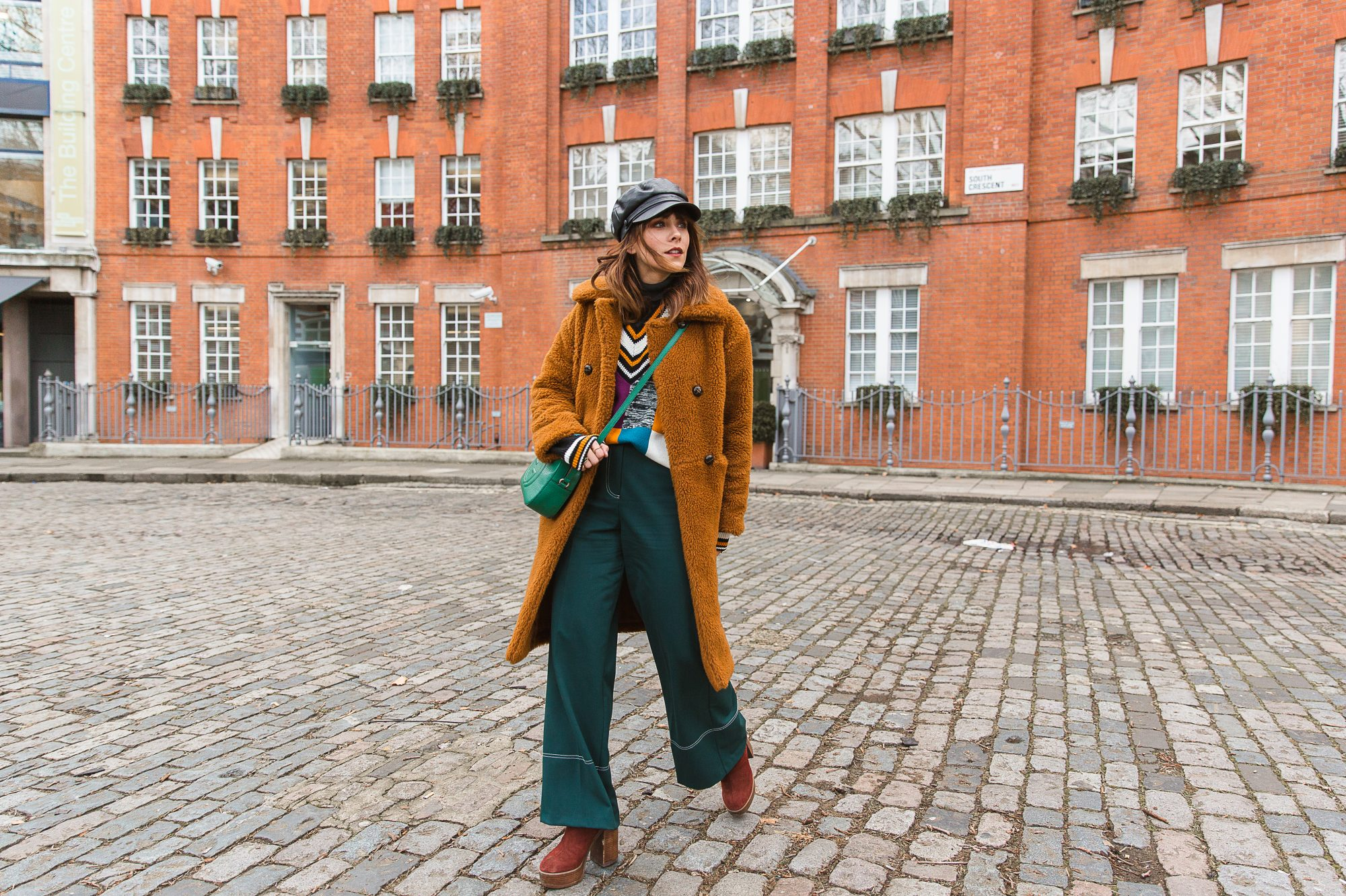 MEGAN ELLABY HOW TO WEAR FLARED TROUSERS