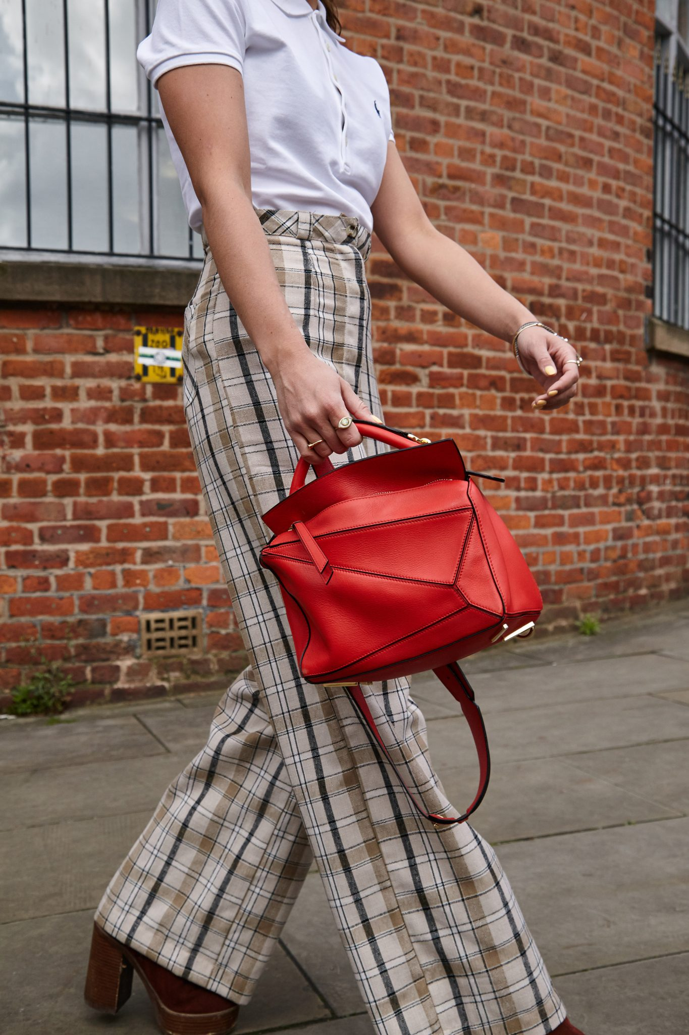 LOEWE PUZZLE BAG RED, HOW TO WEAR IT