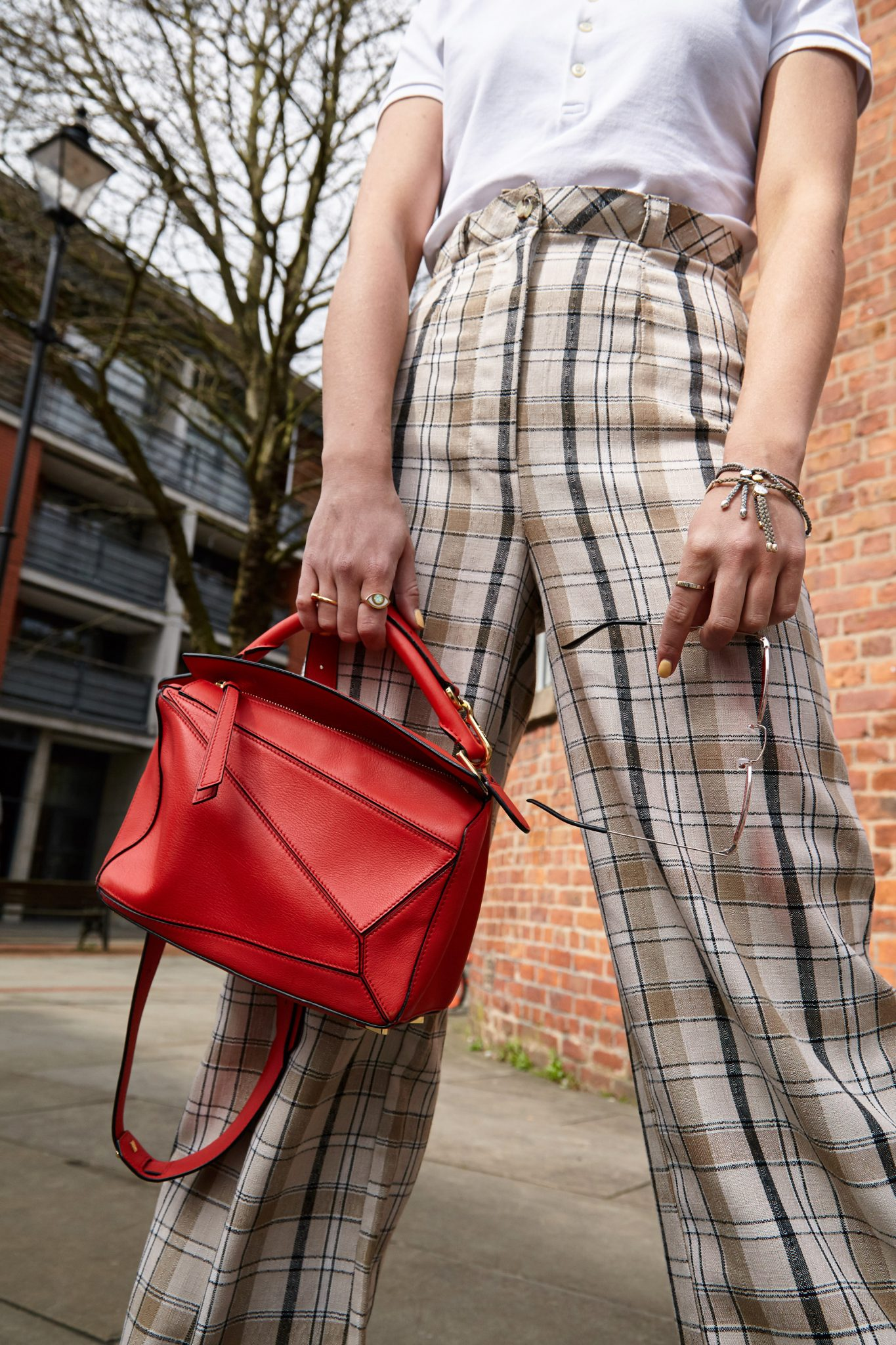 HOW TO WEAR THE LOEWE PUZZLE BAG