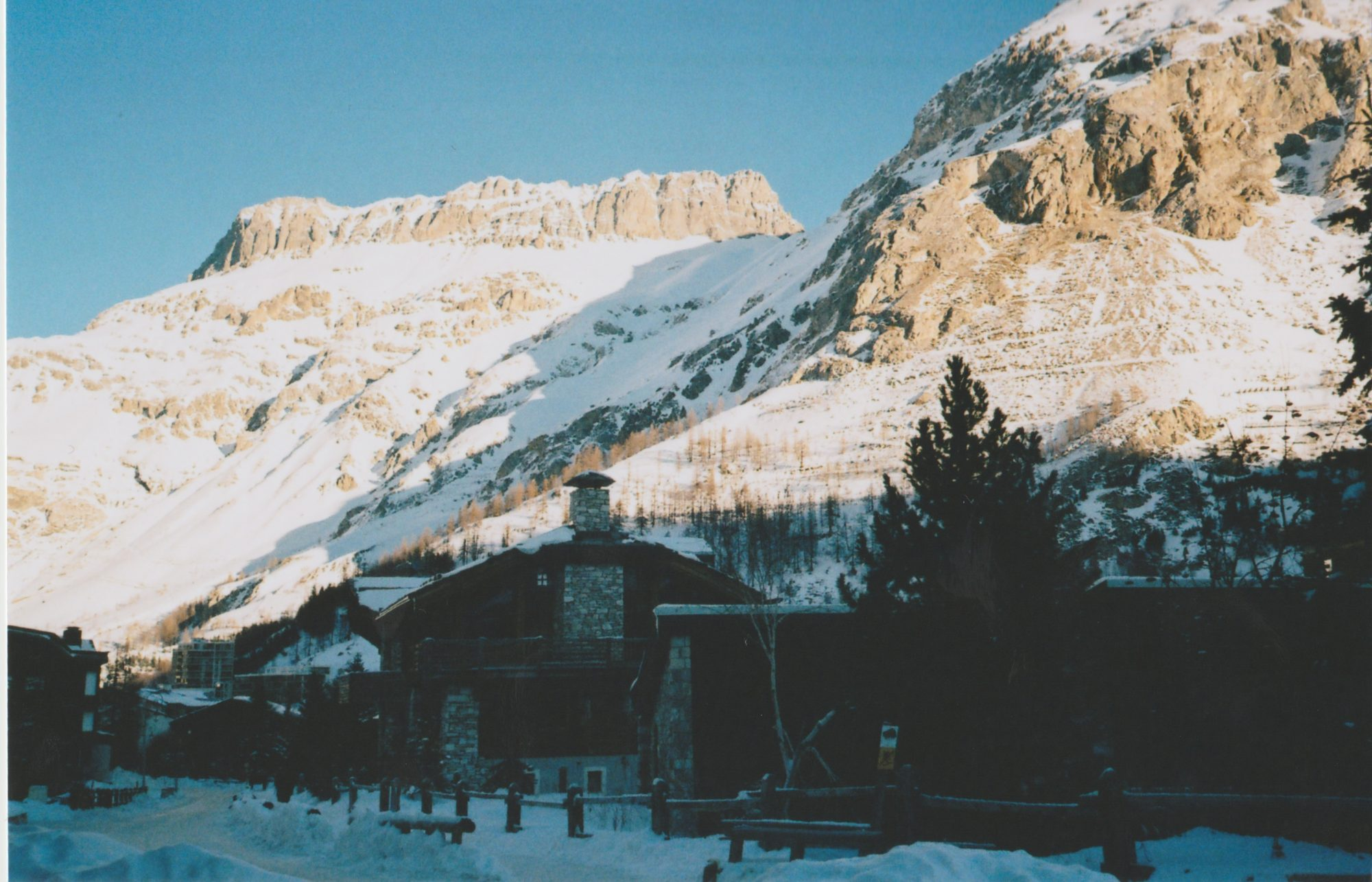 REVIEW OF VAL D'ISERE SKI RESORT